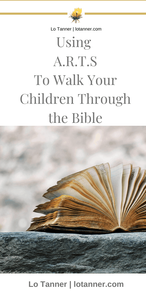 A step by step guide to leading a family Bible study. http://www.lotanner.com/family-ways-bible-study @mrslotanner #lacedwithpurpose